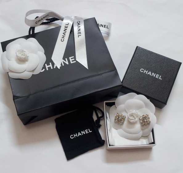 Chanel Crystal Cc Logo Earrings 0 870